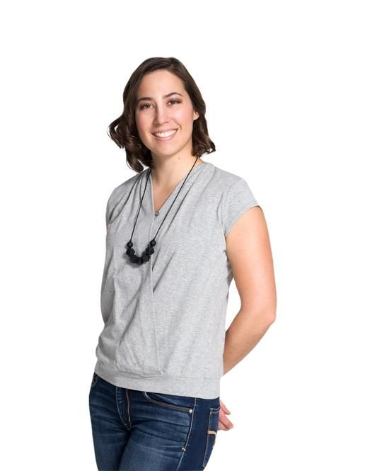 The generous and flattering fit perfectly matches the silhouette of new moms. One can not wish for a top more comfortable than this one!  #breastfeeding #momzelle #nursingtop