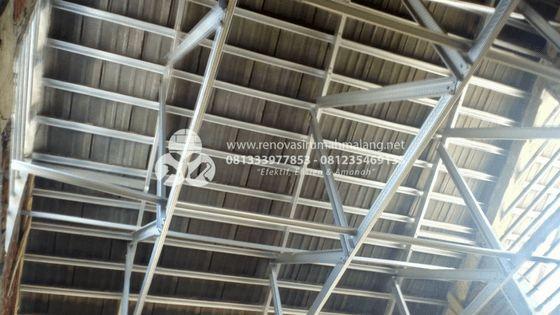 Pasang rangka atap galvalum, jasa bangun rumah di malang HUB. 0813.3397.7853 atau 0812.3546.9135