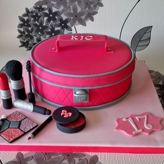 19 Best 18th Birthday Cakes Images On Pinterest