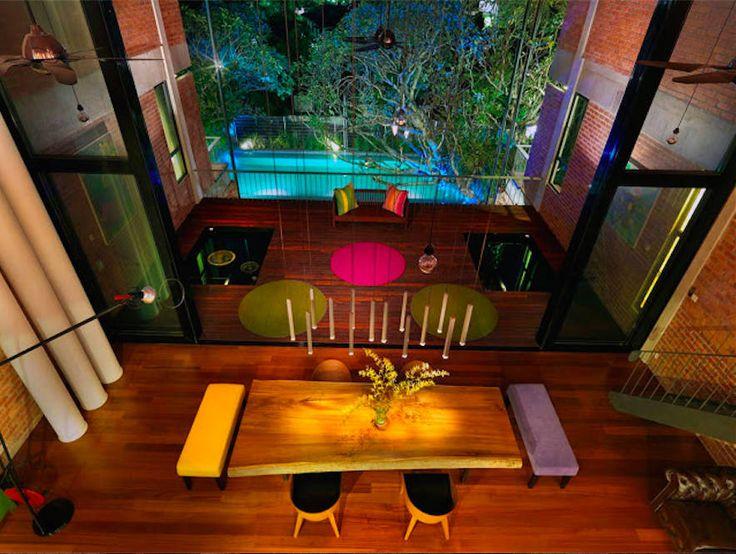 Rumah besar dengan penggunaan tenaga serupa sebuah rumah kecil (출처 Elaine Wall)