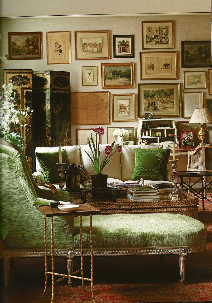 Living room - love the paintings