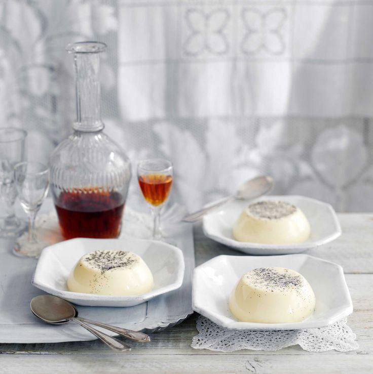 크림을 다양하게 활용하는 이탈리아 북부 피에몬테 지방에서 유래한 바닐라 판나코타.