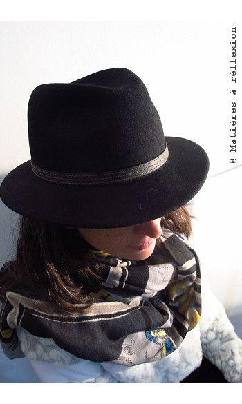 Mii foulard brodé Piaf jaune-bleu-noir #mii #miiaccessoires #foulard #scarf #brodé #embroidered #fashion #madeinindia #sofrench #frenchdesign #bleu et #chapeau #stetson #hat #ootd #lookdujour