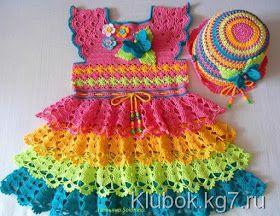 VESTIDO INFANTIL ARCO-ÍRIS EM CROCHÊ Oi amigas! Mais um vestido encantador para as princesinhas, feito porTatiana Solokhina