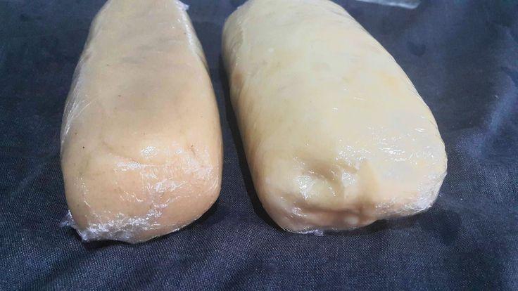 pâte d'amande pour les petits fours marocains عجينة و عقدة اللوز للحلويات المغربية - YouTube