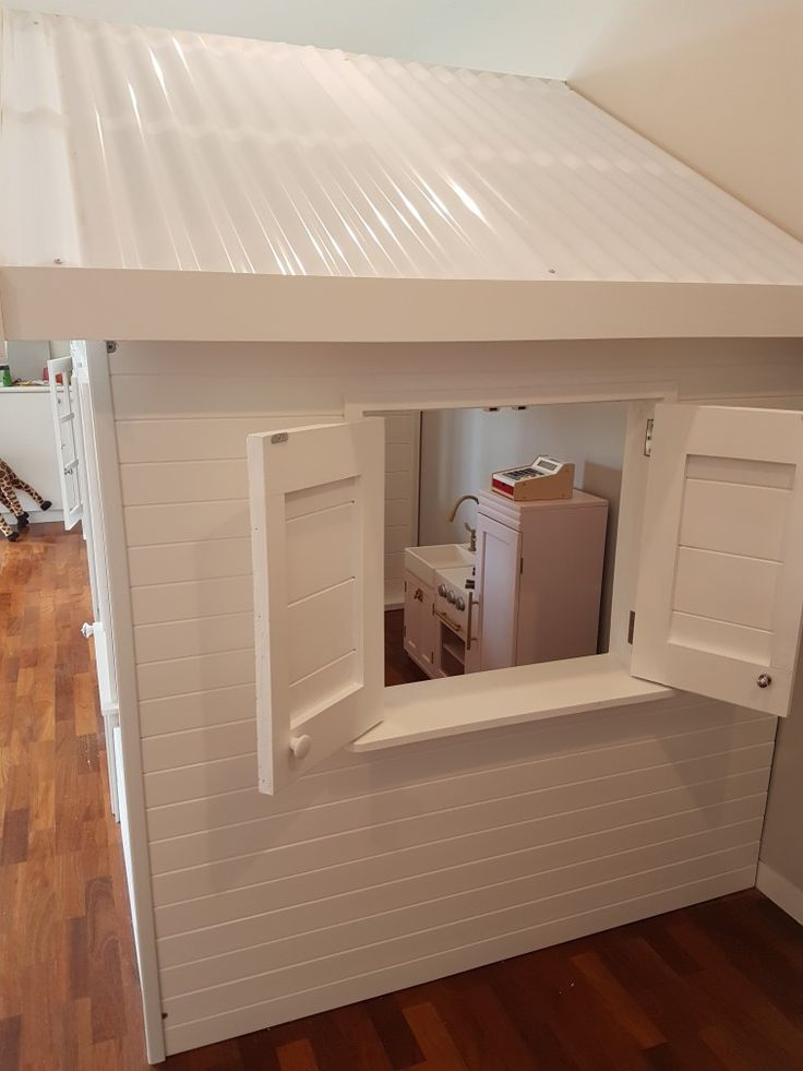 Complete cubby