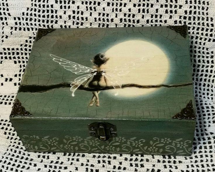 Tündér teliholdnál, annyira aranyos, nem tudtam kihagyni hogy dobozt csináljak :D / decoupage technik, wooden box, fairy :)
