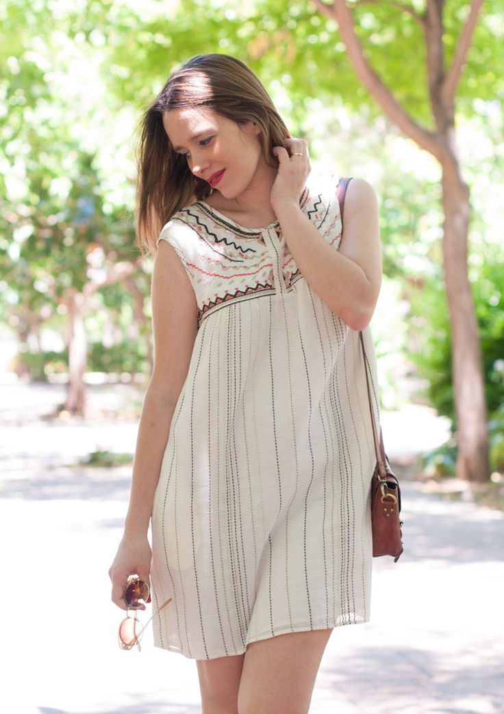 Macarena Gea. Look blogger post-parto http://cocktaildemariposas.com/2014/07/25/blogger-moda-embarazada/