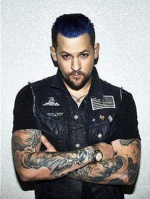 hair color for Joel Madden of Good Charlotte