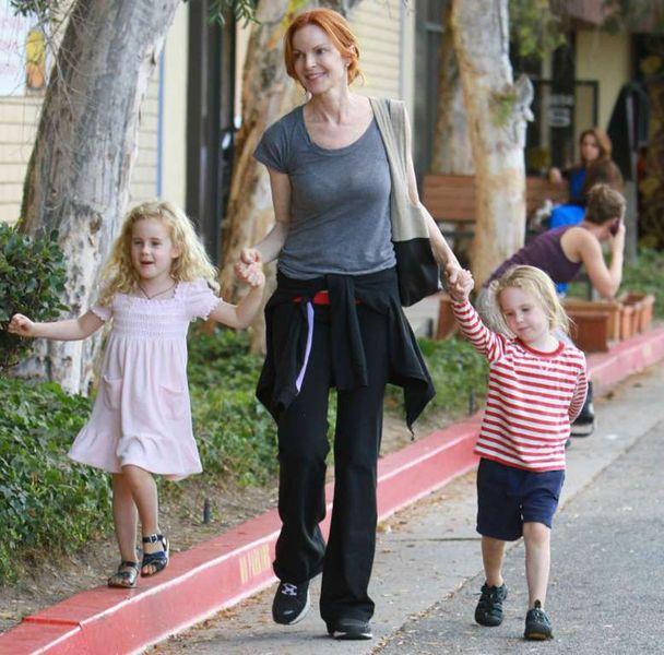2. Марсия Кросс, известная актриса из сериала «Отчаянные домохозяйки» обзавелась парочкой близнецов, когда ей было почти 45