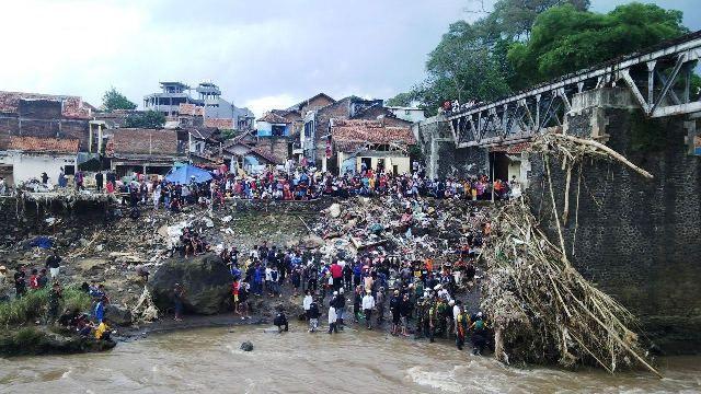 Sutradara Damien Curhat Soal Garut Bak Tsunami