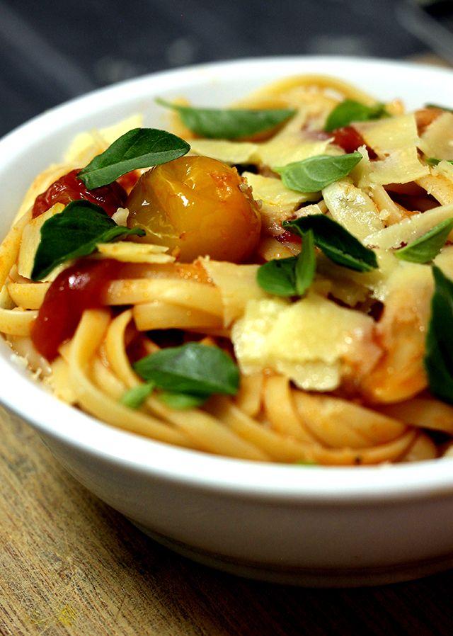 Massinha fica pronta em cinco minutos e aquece os corações #massa #molho #tomate