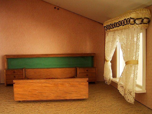 Vintage Lisa dolls house bedroom | Flickr - Photo Sharing!