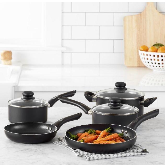 c4465c3ea067 AmazonBasics 8-Piece Non-Stick Cookware Set. 8-piece nonstick cookware set