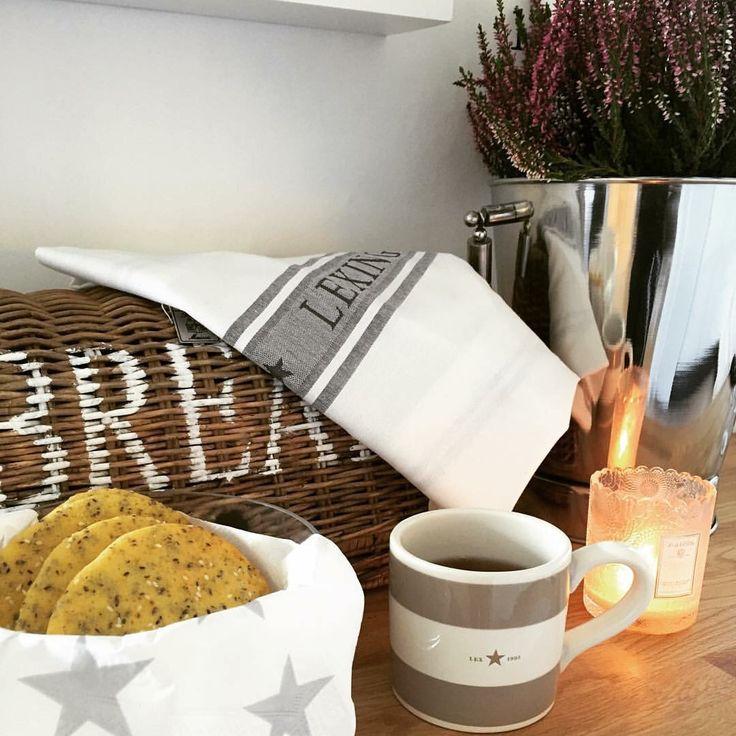 Mysig söndagsmorgon med nybakade fitness-scones.