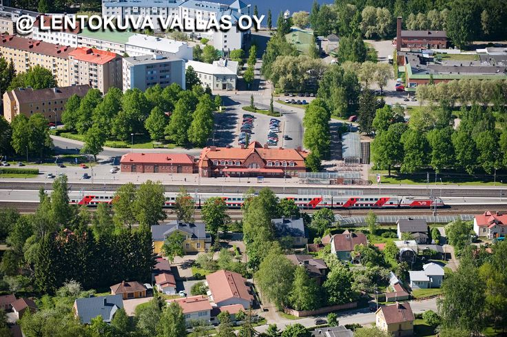 Hämeenlinnan rautatieasema Ilmakuva: Lentokuva Vallas Oy