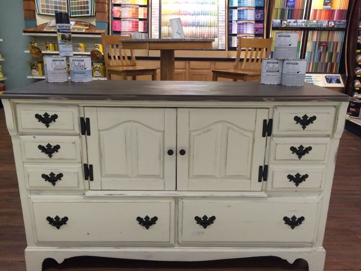 Hutch Painted With Rustoleum Chalk Paint In Cream Chiffon