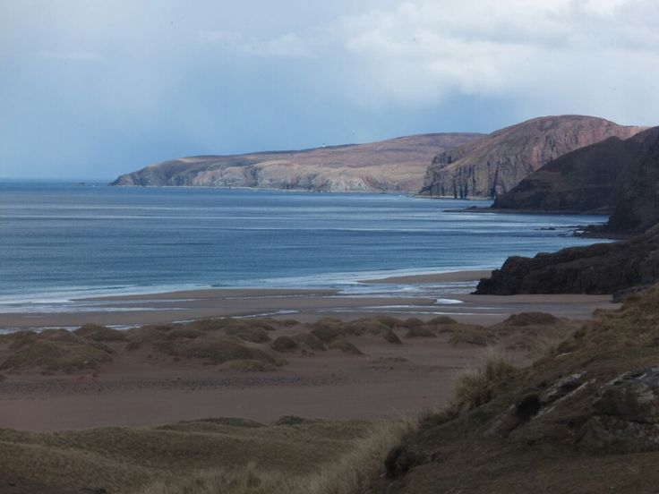 Sandwood Bay in Blairmore - Walk along one of the most isolated beaches in Scotland