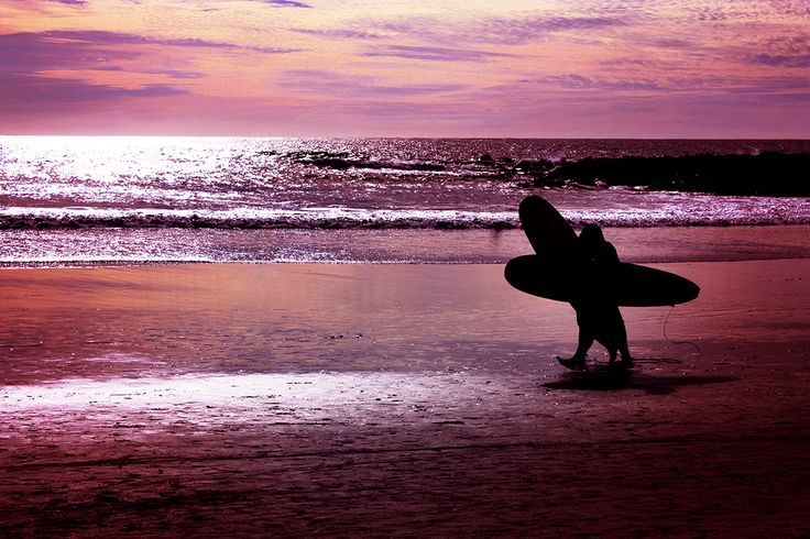 Evening Surf. Photography by Esther Sanchez