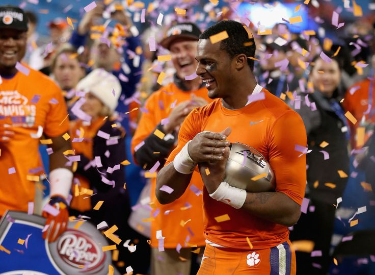 The entire 2015-16 college football bowl schedule has been set.