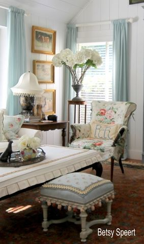 Shabby dining room by Betsy Speert's Blog: Cabbage Roses and Stuff