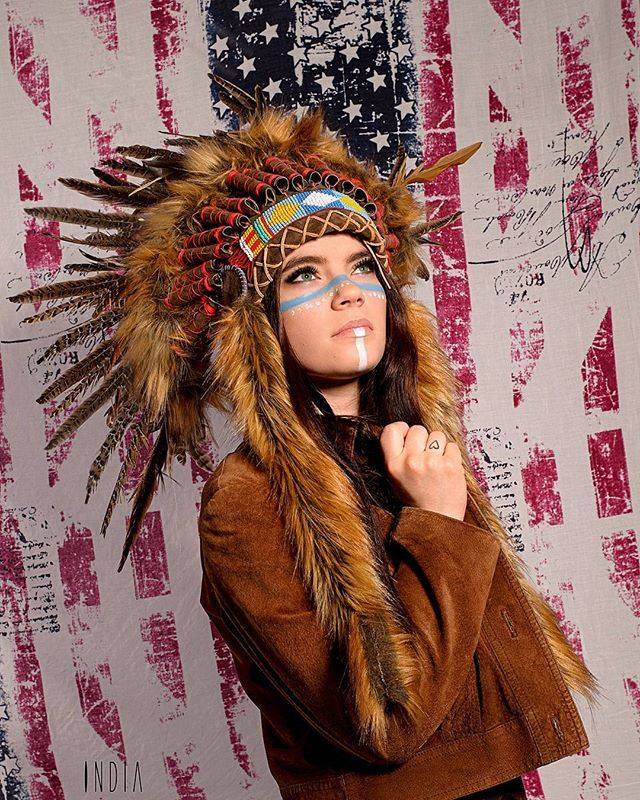 """And """" We're all living in Amerika """" :D Make up India Baldis   Photographic assistant Rusowicz Marta   Warbonnet designed by Alice Baldis  Photo by INDIA Follow us on instagram @foto_synteza"""