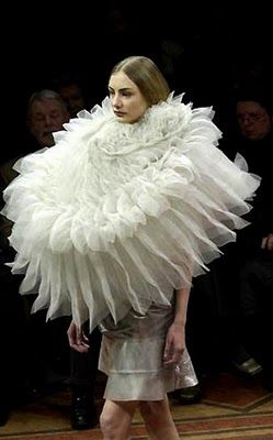 Sculptural Fashion - extravagant oversized collar wearable art // Hussein Chalayan....x