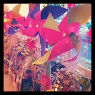 pinwheel candy bags via Kastles