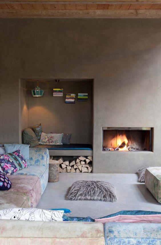 Todo charme das lareiras: http://www.casadevalentina.com.br/blog/lareiras…