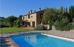 Tuscany Villa With Pool Rental. www.scansanocountryhouse.com