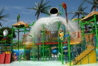 Coolest water parks in Dallas and surrounding areas.  Pun intended.