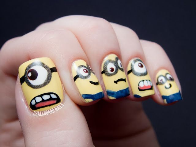 Ha! Another great DM mani: Chalkboard Nails' MINIONS!! Devo provarlo! *-*