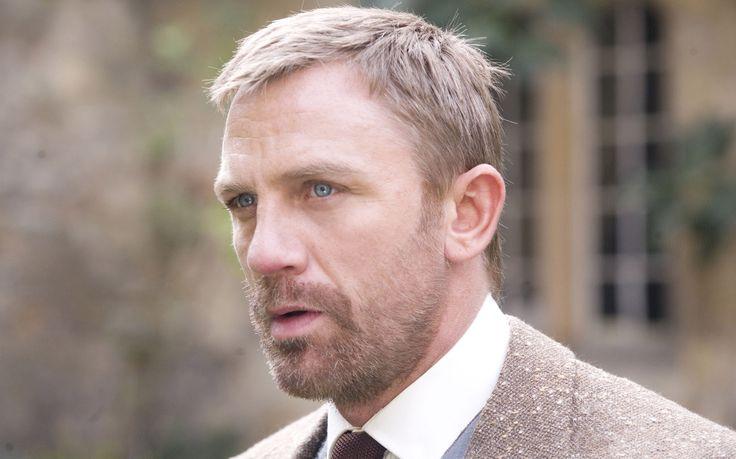 Lord Asriel (Daniel Craig)
