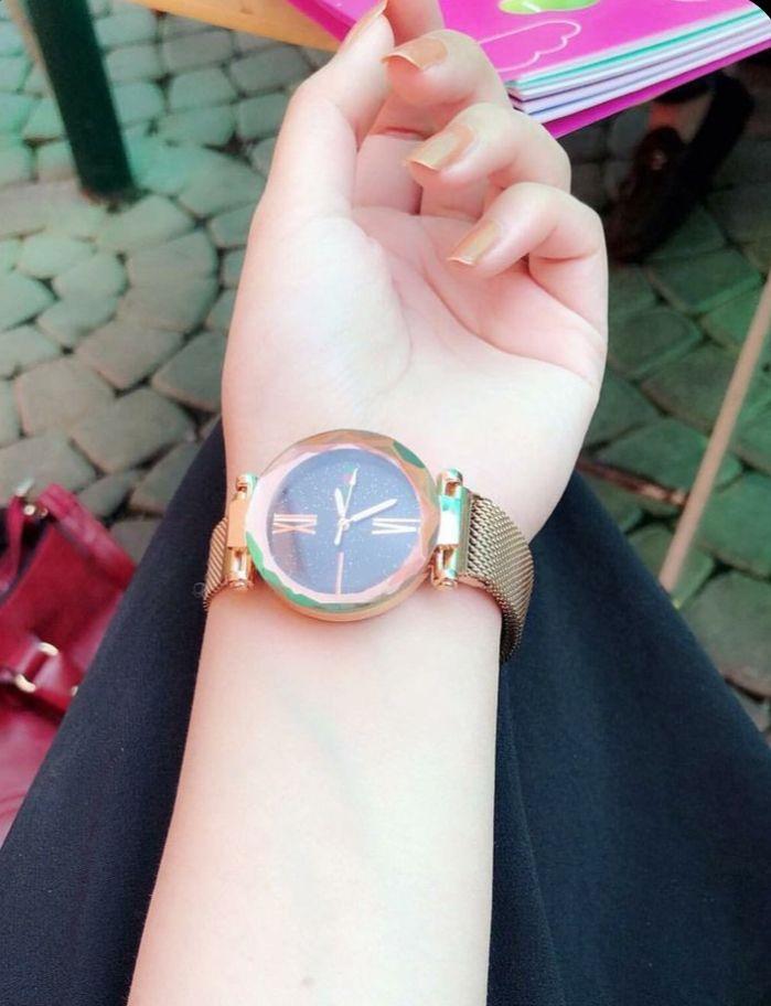 Pin By Princess On Beautiful Dpz Girl Hand Pic Girls Watches Stylish Girls Photos