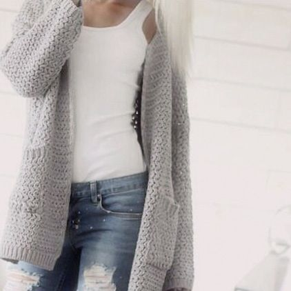 Simple and casual cardi for an everyday look.