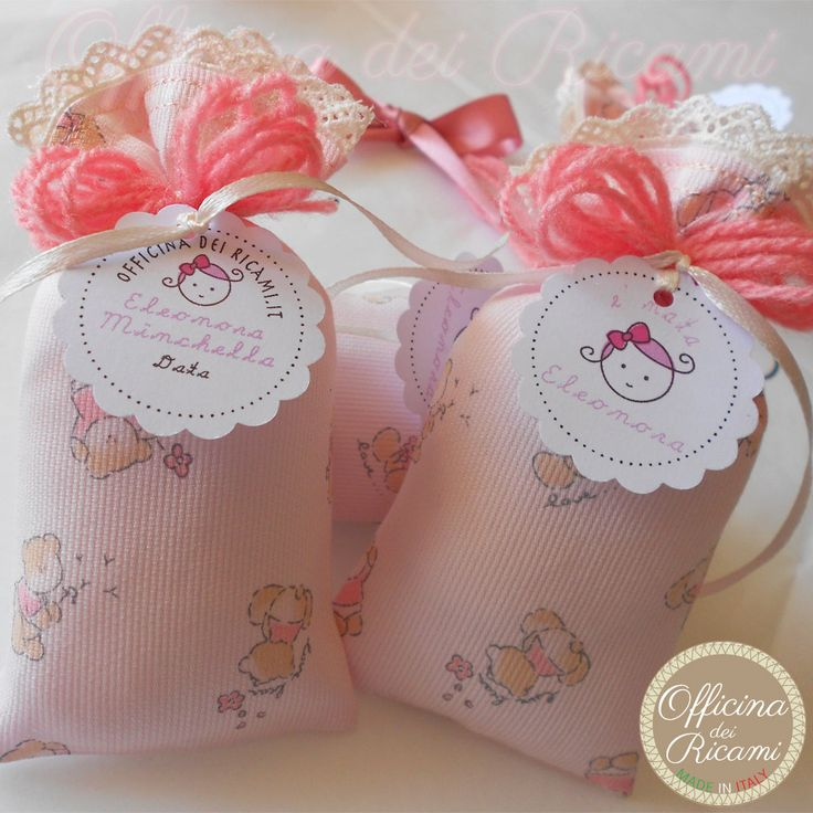"#handcrafted #embroidered #kids #favor (sachets - boxes) #bags, customized with confetti in them, that you give away at #birth #birthday #communion #confirmation #baptism | #bomboniere sacchetti #portaconfetti per #nascita #compleanno #comunione #cresima #battesimo completamente personalizzabili e made in Italy. Model: ""BEBE'"""