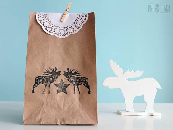 Christmas gift bag | Kraft paper wrapping bag | Hand printed paper bag | Doily paper | Personalized | Deer stamp | 22x35x14cm | 8.5x14x5.5''