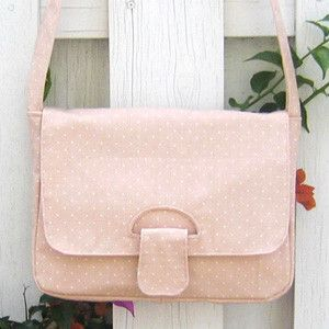 Everywhere Messenger Bag Pattern - another Ali Foster.  Fancy this one too (stronger colours tho ;-D)