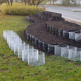 Pflanzkörbe zur Hangbefestigung aus verzinktem Stahl. Ermöglichen Pflanzen und ihrem Wurzelwerk ein ungehindertes Wachstum nach allen Seiten.