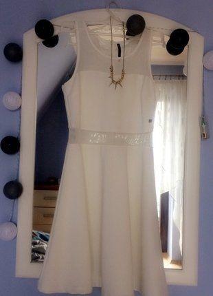 Kup mój przedmiot na #vintedpl http://www.vinted.pl/damska-odziez/krotkie-sukienki/17675767-sliczna-dziewczeca-biala-sukienka-w-stanie-idealnym-rozmiar-xss-zdjecie-na-osobie