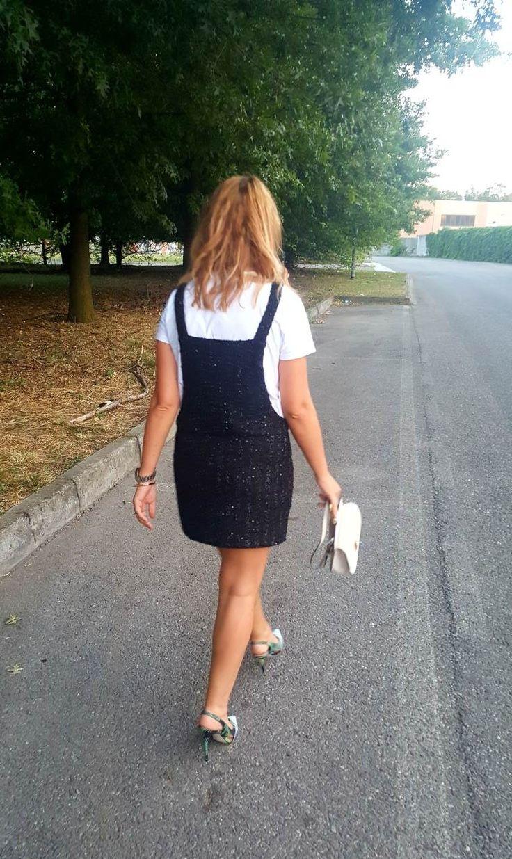 Dal nostro ultimo post! Un outfit salopette e tacco per una serata tra amici! #thesprintsisters #outfit