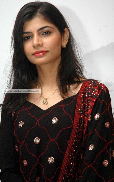 South Singer Chinmayi Sripada Hq Photos