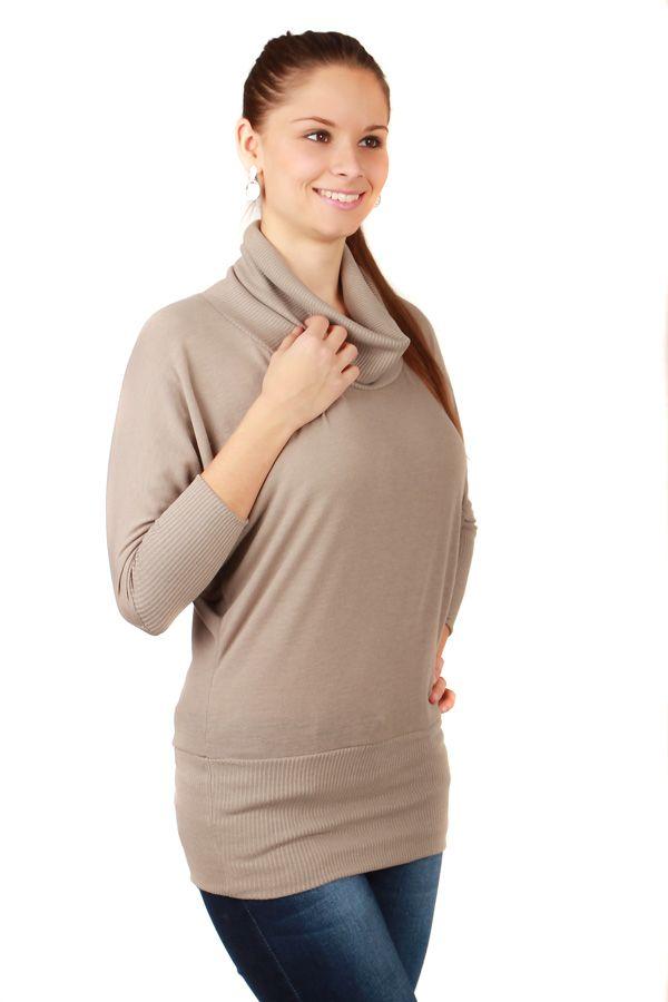 Delší dámský svetr s netopýřími rukávy - koupit online na Glara.cz  glara   e35b19aefd