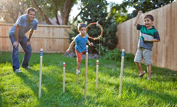 Easy to make rope ring toss game for outdoor summer fun.Rings Toss, Ropes Rings, Diy Games, Kids Activities, Diy Ropes, Diy Rings, Families Fun, Diy Projects, Families Outdoor Games