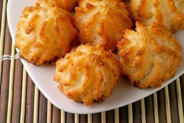 Диетическое печенье без муки с кокосом