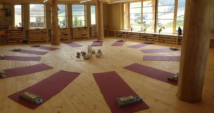 Yogaraum-Baumhaus-Sabine, Almis Berghotel, Yoga Retreat