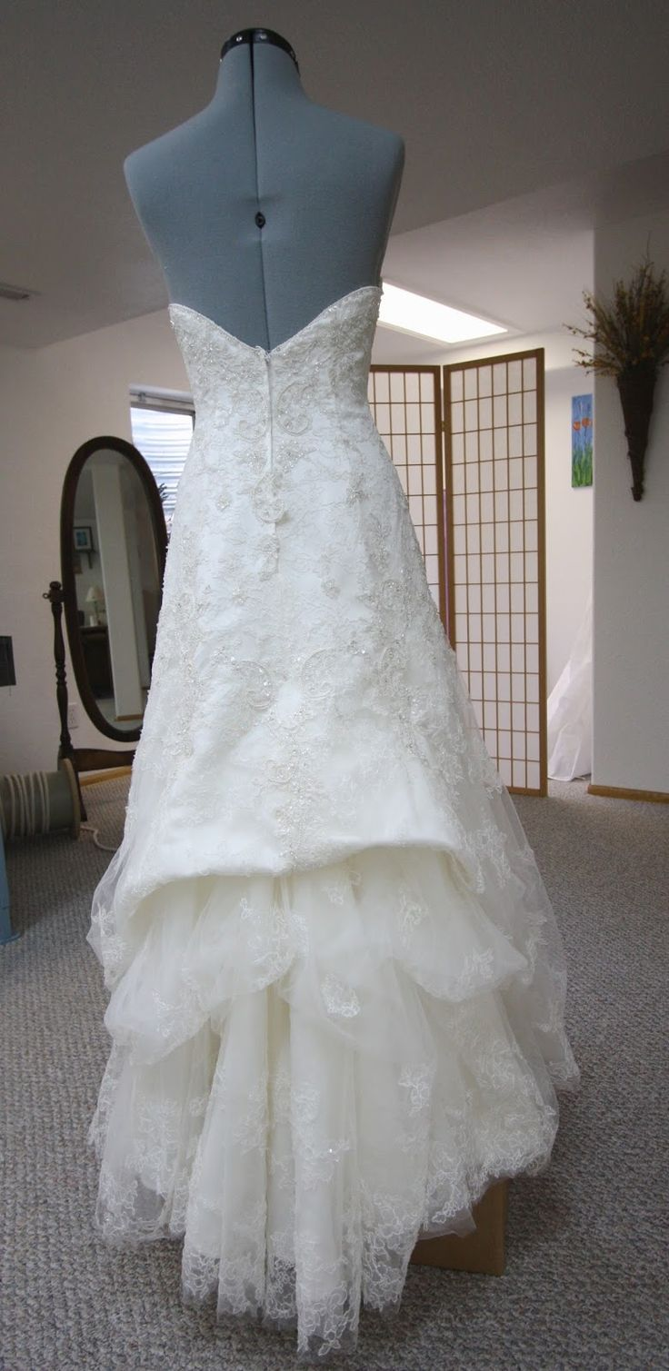 155 best wedding dress bustle images on pinterest short wedding i wanted to share my technique on this wedding gown bustle since frankly i was stumped for a bit trying to come up with the solution solutioingenieria Gallery
