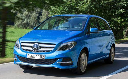 El renovado modelo alemán llega a los concesionarios con dos versiones alternativas de lo más interesante. Una de 156 CV alimentada por gas natural y otra con un motor eléctrico de 180 CV que brinda una autonomía de hasta 200 kilómetros.