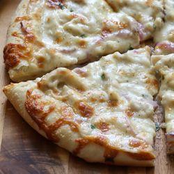 Thin Crust Three Cheese Chicken Pizza with Garlic White Sauce Recipe