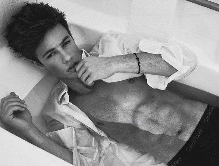 Cameron Dallas ~ He's so freaking gorgeous